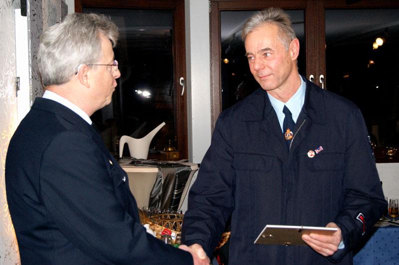 Wehrleiter Horst Kaiser gratulierte als Erster