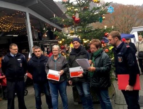 """Auszeichnung von zwei """"Feuerwehrfreundlichen Betrieben"""" am vergangenen Samstag in Nievern"""